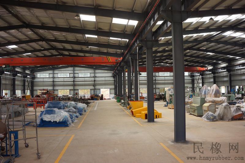 月博会员中心橡膠機械新廠投入運行